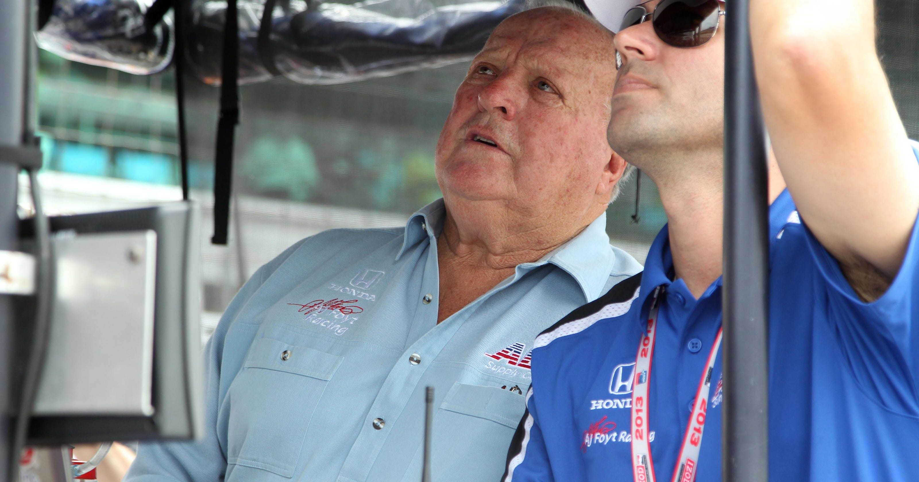 A j foyt skipping milwaukee mile because of leg pain for Motor city pawn shop on east 8 mile