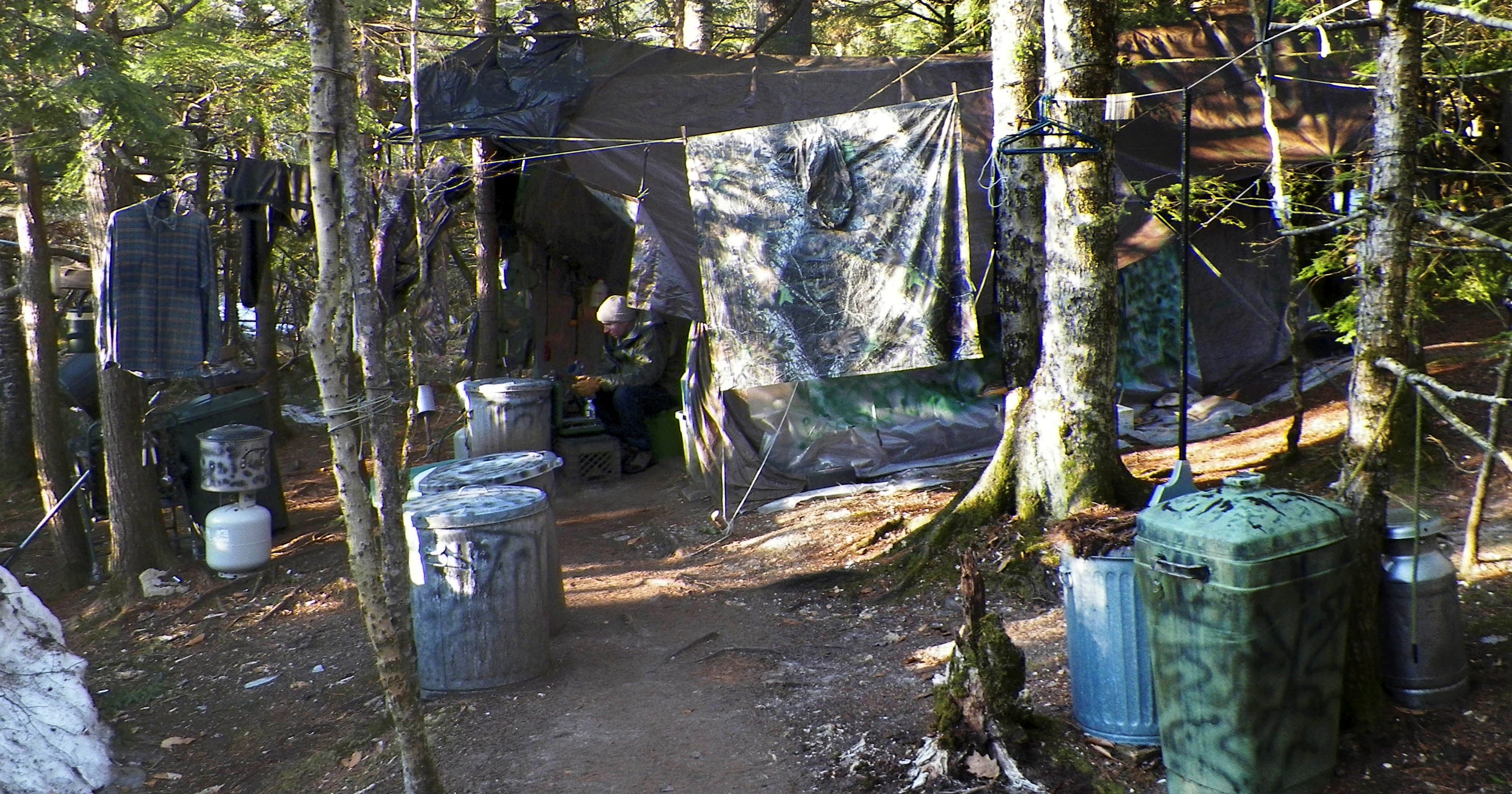 maine hermit living in wild for 27 years arrested. Black Bedroom Furniture Sets. Home Design Ideas