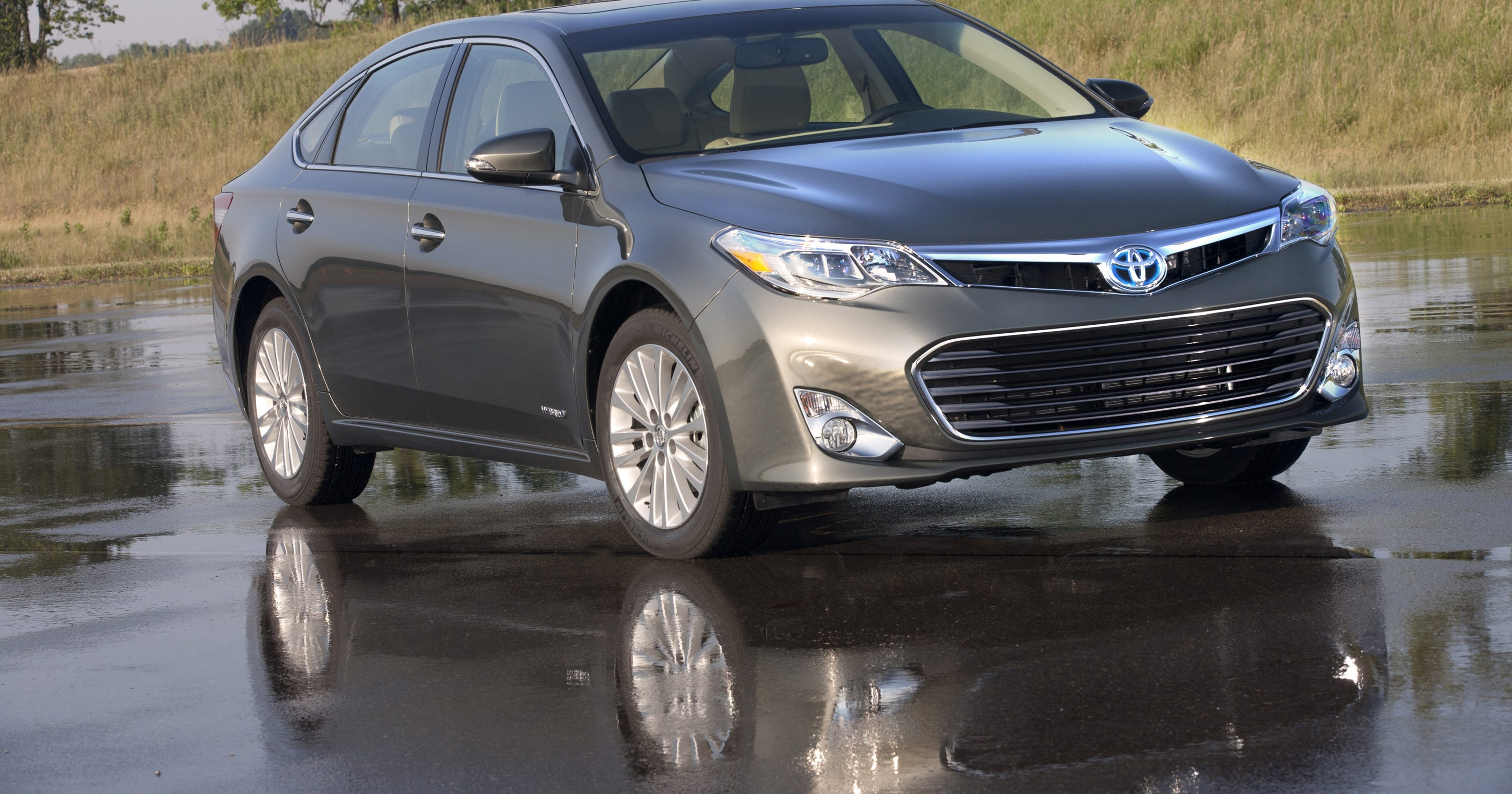 sedan avalon xle reviews price toyota exterior features photos