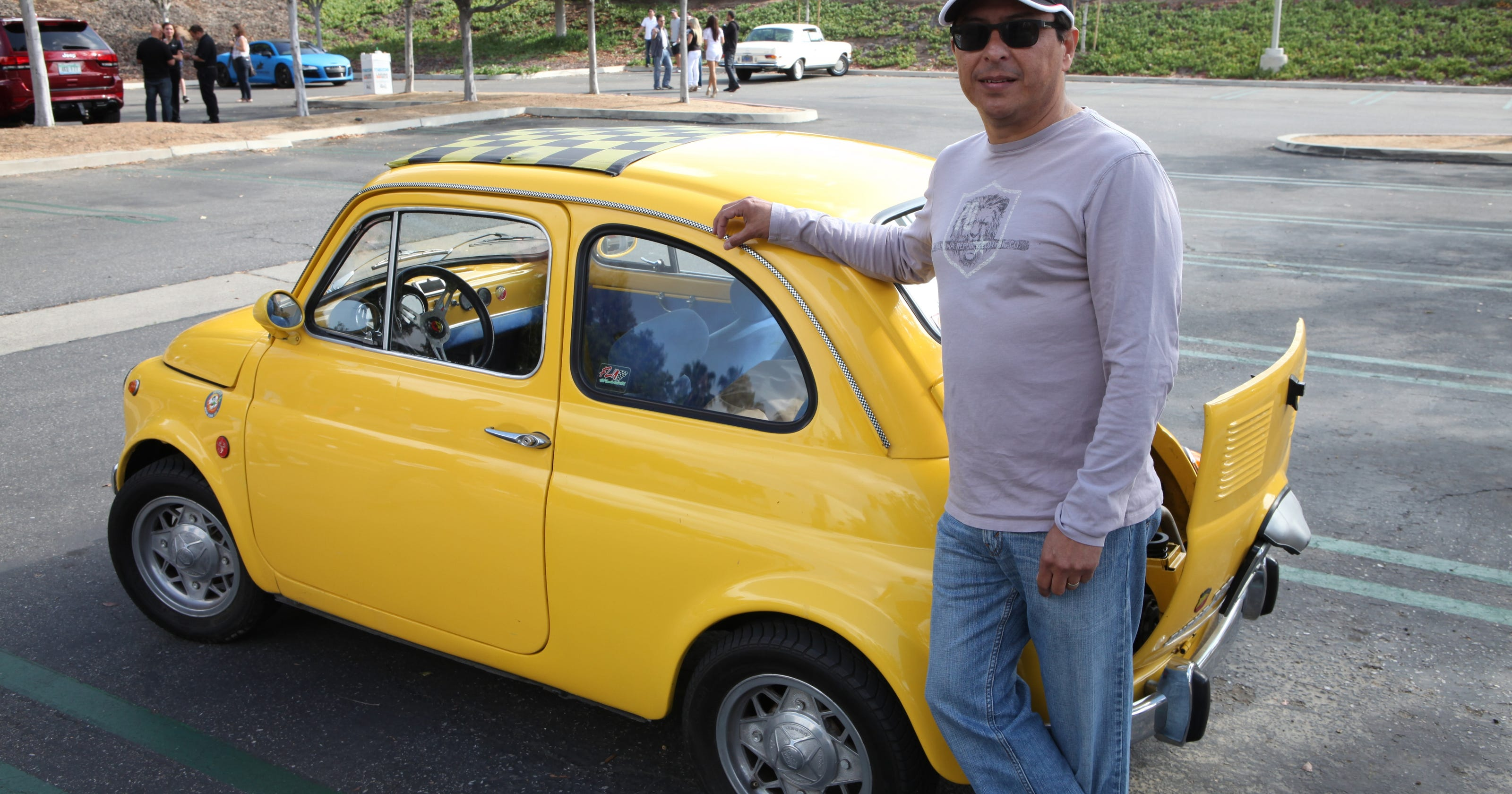 video this old fiat 500 is as cute as a bug. Black Bedroom Furniture Sets. Home Design Ideas