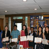Killearn Kiwanis recognizes Chiles students