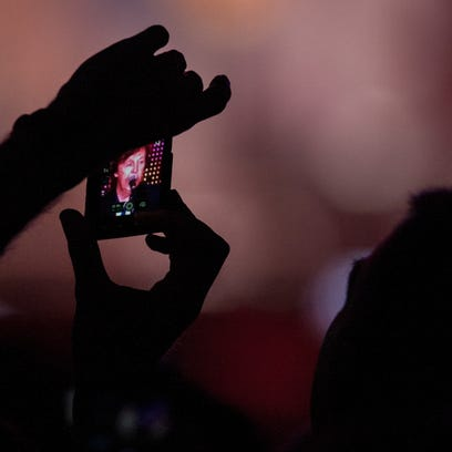 New technology makes some concerts selfie-free