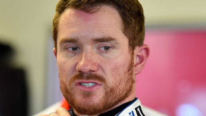 Brian Vickers will drive for the injured Tony Stewart during Daytona Speedweeks.