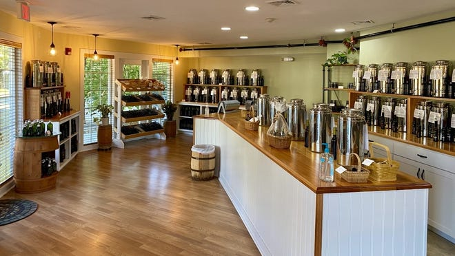 The South Coast has an intriguing new gourmet specialty shop to explore. Ripe From The Vine, LLC, located at 119 Wareham Road, carries an exclusive line of domestic and imported artisan olive oils, balsamic vinegars from Modena, Italy, herbs and spice blends, specialty foods, and customizable gifts.