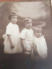 Margaret (Calkins) Gordon, at far right as a child.