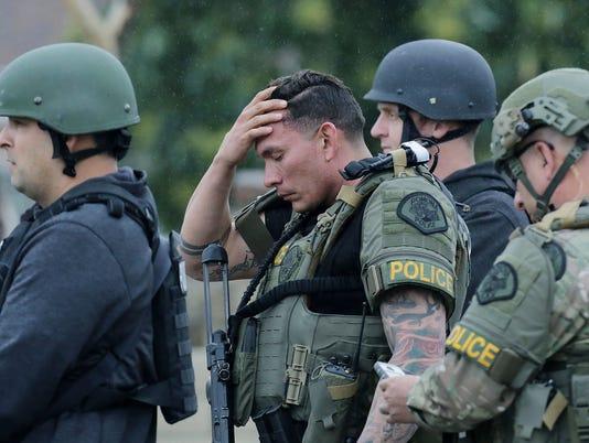 AP OFFICERS SHOT A USA CA