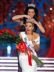 Miss New York Mallory Hagan is crowned Miss America