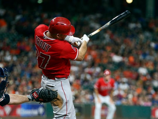 Sep 24, 2017: Los Angeles Angels center fielder Mike