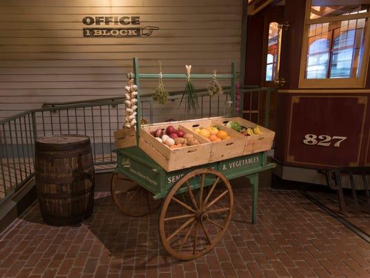 MIlwaukee Public Museum Sendiks cart