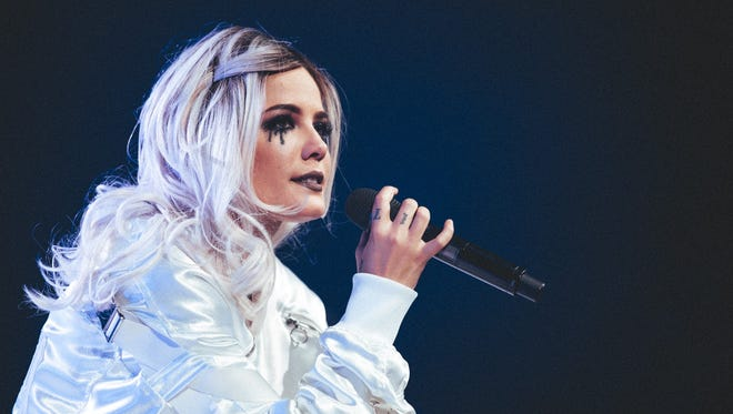 Halsey performs at Talking Stick Resort Arena in Phoenix, Tuesday, October 31, 2017.