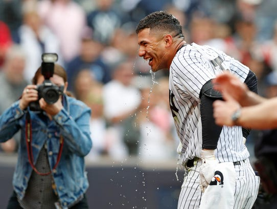 A photographer snaps a picture of New York Yankees'