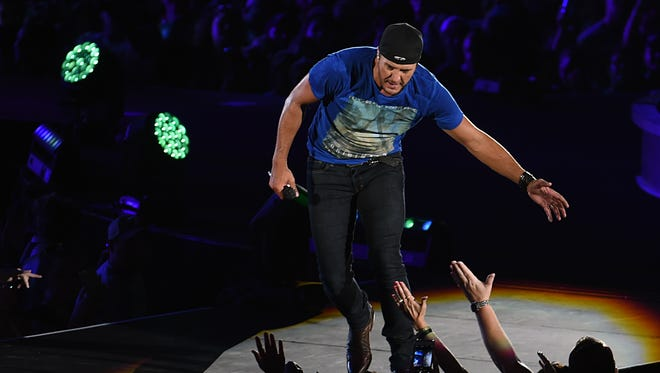 "Luke Bryan's fifth studio album, ""Kill The Lights,"" went straight to No. 1 on both the Billboard Top 200 and Top Country Albums charts this week."