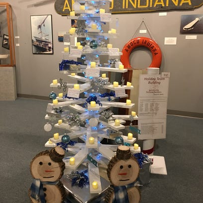 PortSide workers, subcontractors in holiday spirit with donation to city's Maritime Museum