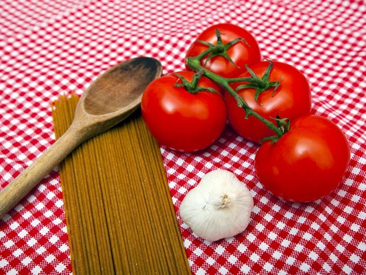 ItalianFoodTomatoes-176642058