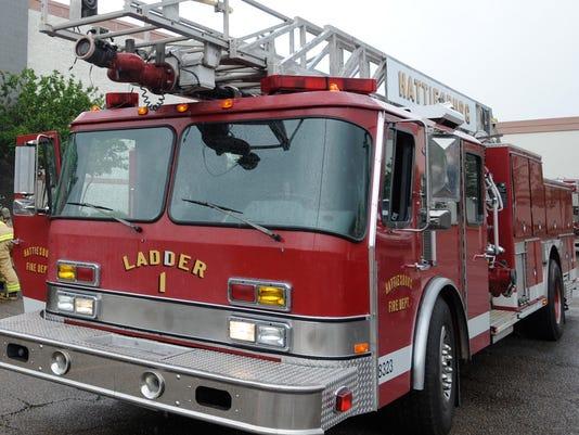 636312425761831426-Hattiesburg-fire-truck.jpg