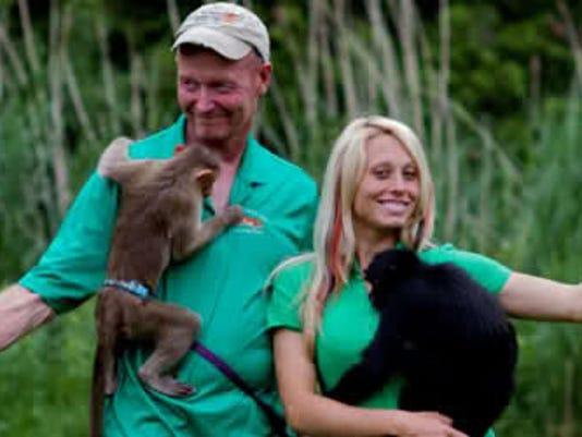-dcn 0225 sodoor Bud Carrie De Young Zoo.jpg_20150224.jpg