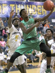 Lehigh's Delshawn Green, left, tries to block Fort