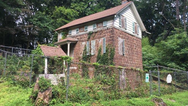 Naugle House in Fair Lawn