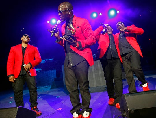 Blackstreet show off their 1997 Grammy as they perform