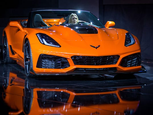 2019 Corvette Convertible Goes On In Spring 2018 For 123 995 Can Go More Than 200 M P H