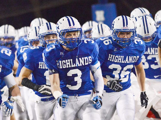 highlands run onto field.jpg