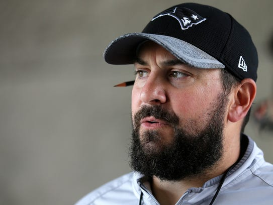 Patriots defensive coordinator Matt Patricia takes