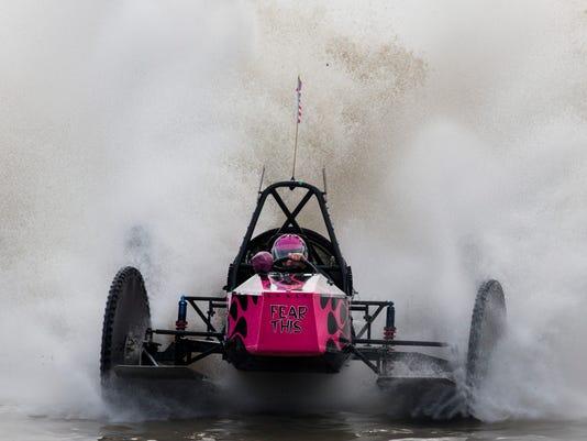 NDN 0130 Swamp Buggy Races 003 LEDE