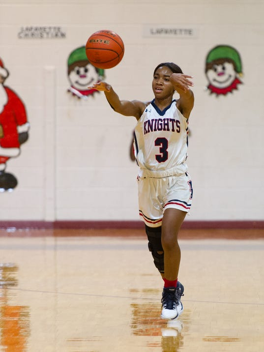 636184408305400564-yuletide.LCA.vs.Lafhigh-12.27-0497.jpg
