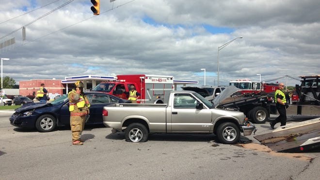 Three cars were involved in a crash at Ind. 32 and Country Club Road Saturday afternoon.