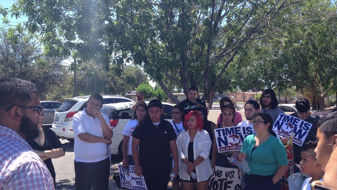Immigrant families and advocates met at Representative Matt Salmon's office in Gilbert to protest lawmakers' inaction regarding immigration reform.