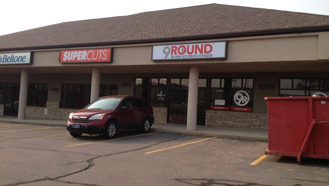 9 Round is located in a strip mall near 57th and Cliff.