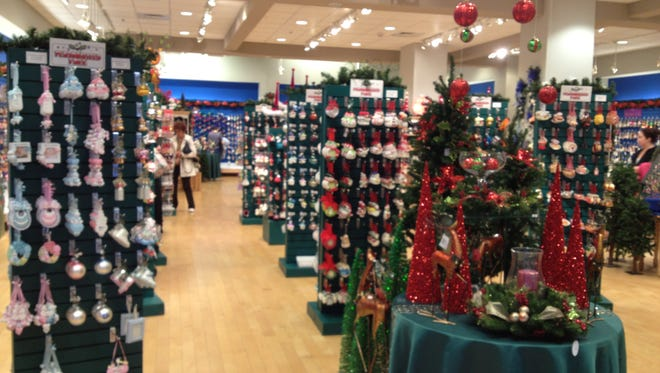 Callisters Christmas, a popular seasonal ornament store, will come back to the Fox River Mall in late October.