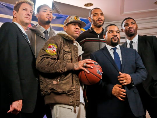 Entertainment executive Jeff Kwatinetz, far left, and entertainer Ice Cube, second from right, pose with former NBA players Kenyon Martin, second from left, Allen Iverson, third from left, Rashard Lewis, third from right, and Roger Mason, far right, after a press conference announcing the launch of BIG3, a new 3-on-3 professional basketball league, in New York, Wednesday, Jan. 11, 2017.  (AP Photo/Bebeto Matthews)