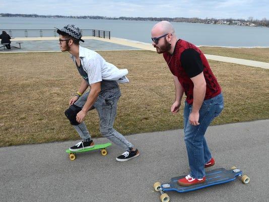 NNO SA SkateboardingThruNoviPark