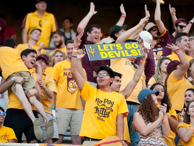 Nov 21, 2015: Arizona State Sun Devils fans cheer during