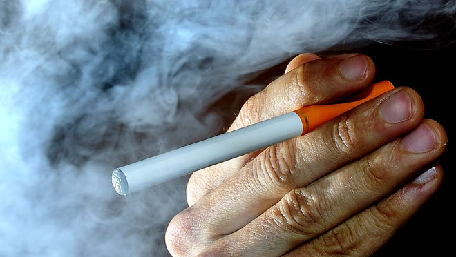 An effortto raise the age for purchasing and using tobacco in Tennessee from 18 to 21 was halted in aHouse committee on Tuesday.