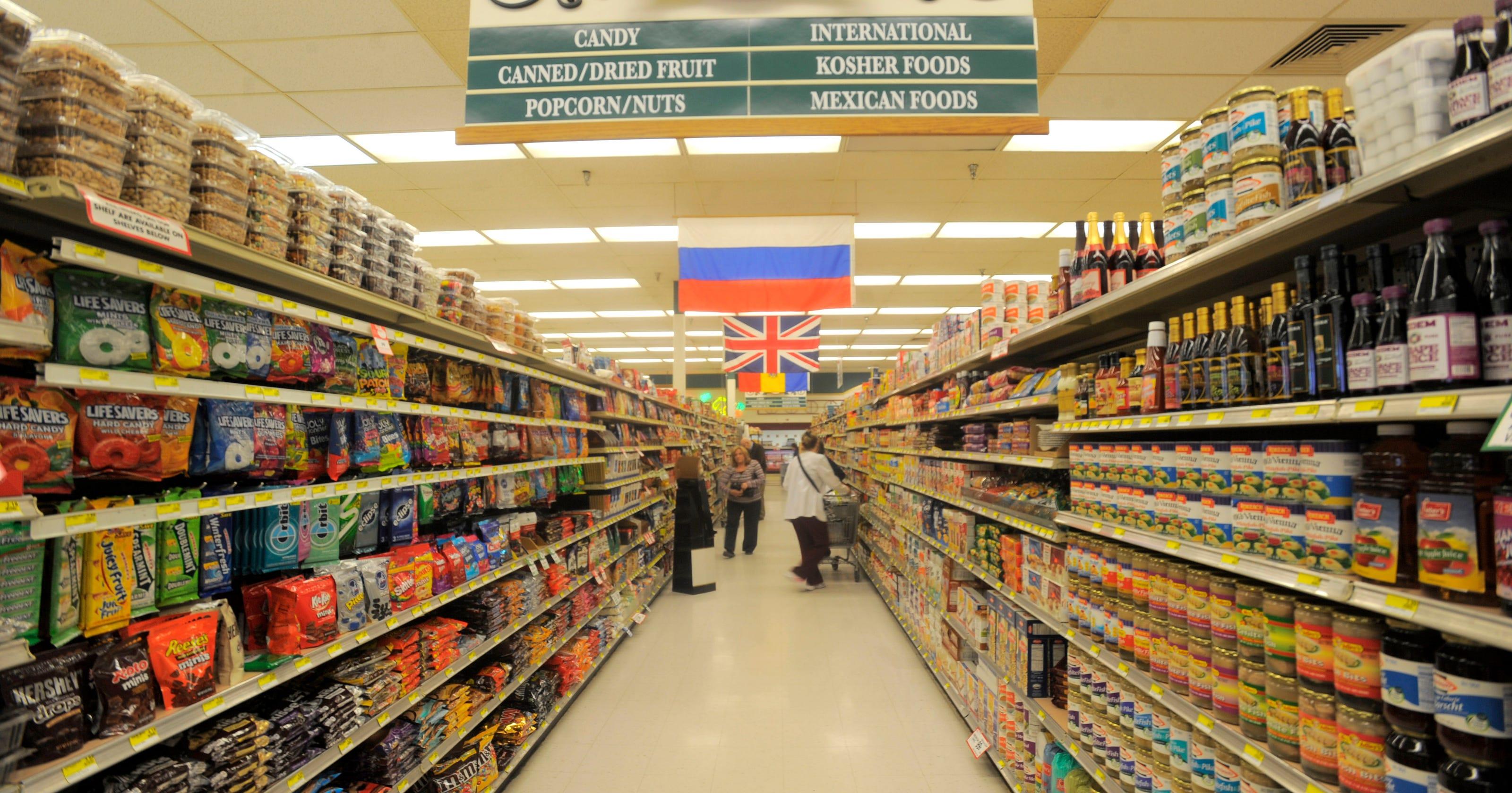 Kroger to buy 7 Hiller's supermarkets, close 1