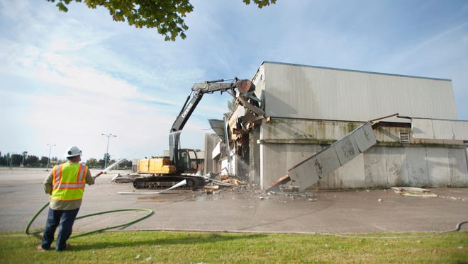 Demolition of the former Lakeview Centre mall on Memorial Drive began Thursday, Sept. 24. The demolition is expected to be completed by around Thanksgiving.