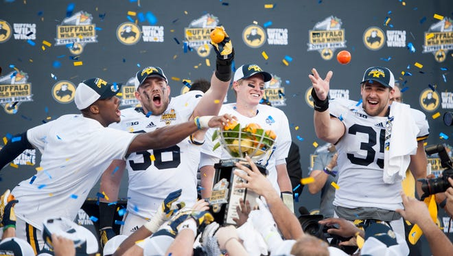 The Michigan-Florida Citrus Bowl drew a 5.4 rating, which ranked third behind the Rose Bowl and Fiesta Bowl in terms of New Year's Day college football viewership.