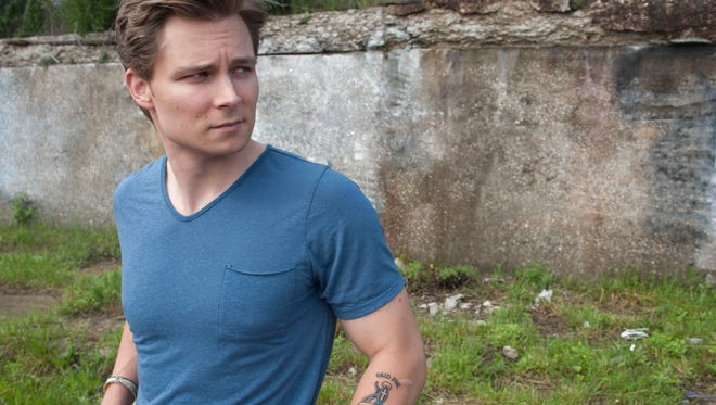 Country star Frankie Ballard performs on Friday night at the District. The singer has scored several radio hits.