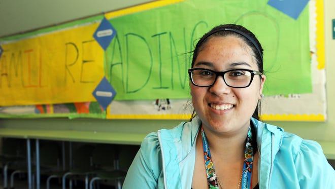 Elizabeth Pacheco in the homework center at the CŽésar Ch‡ávez Library in east Salinas.