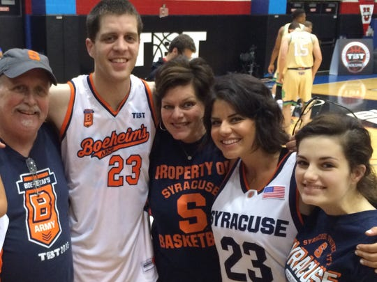 Eric Devendorf, pictured here in Chicago in 2015, with his family, from left, his late father, Curt, his mother, Cindy, and his sisters, Jill, and Anna. He's the middle child.