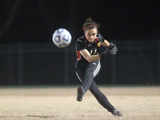 Leon keeper Clare Keenan takes a goal kick during Friday's