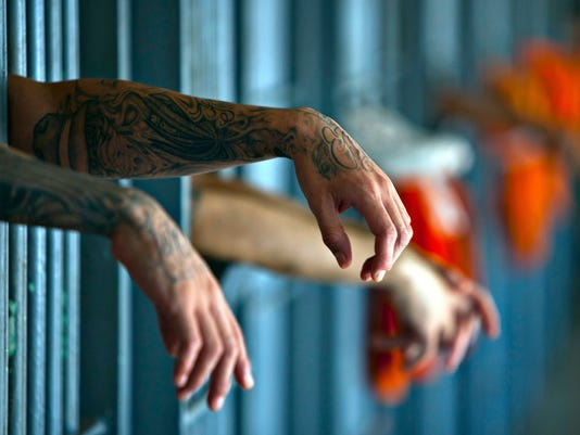 inmates-prison-032018