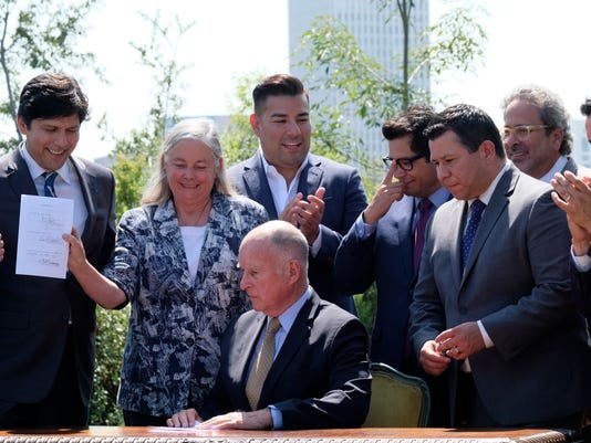 Jerry Brown, Kevin de Leon, Fran Pavley, Eduardo Garcia, Anthony Rendon