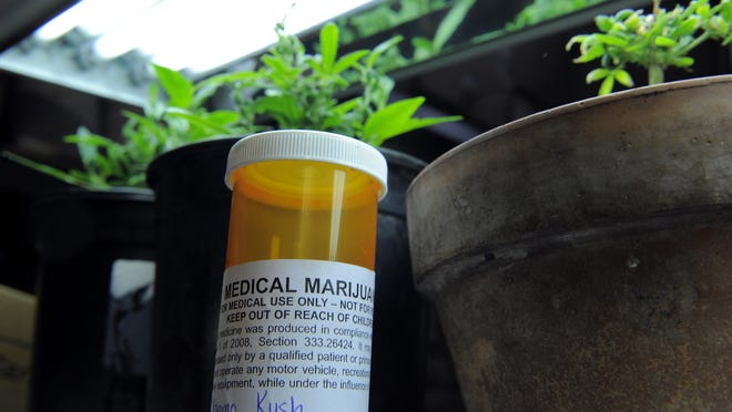 The City Council on Tuesday unanimously approvedzoning changes to cap the number of medical marijuana facilities operating in the city at75 and regulate where they can locate.