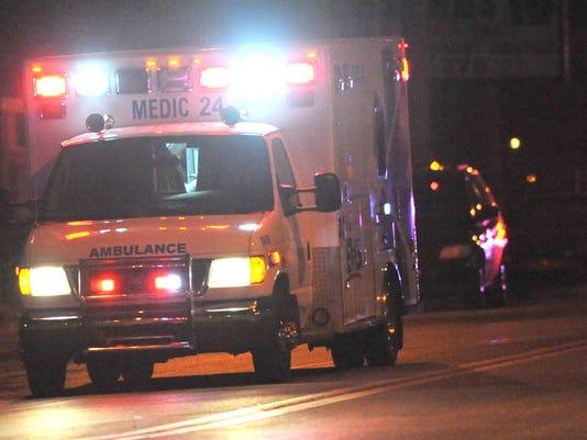 635627358013943110-POLICE-ambulance