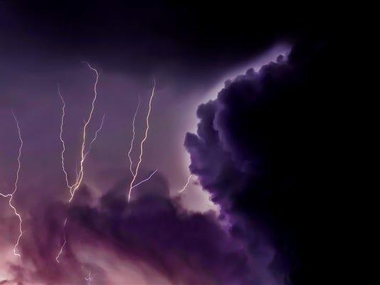 636625718328630172-rsnap-jim-mandeville-lightning.jpg