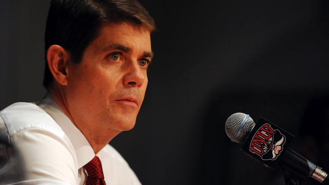 Former UNLV coach Dave Rice will join the Wolf Pack coaching staf.