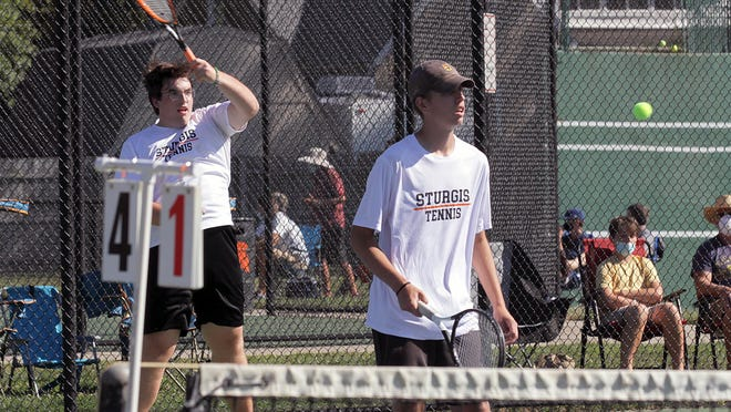 The first doubles team of Tyler Bohacz and Gray Swihart picked up a pair of wins on Thursday.